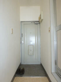エイショウブロア 4A号室の玄関
