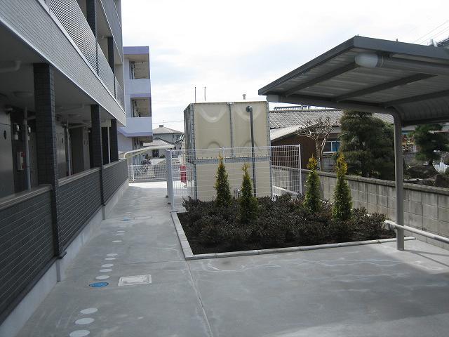 サンブリ-ゼ 03030号室の駐車場
