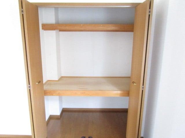 グレンツェントハオスK Ⅰ 01020号室の収納