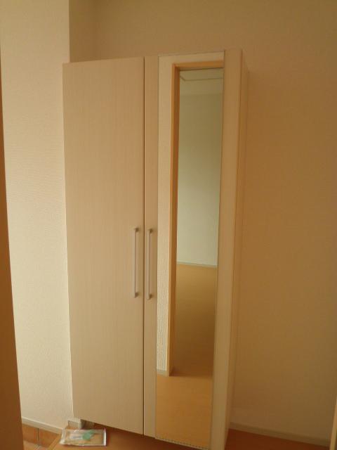 ラ ルーチェ 01020号室の玄関