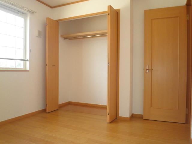 エレガント Ⅰ 02020号室の収納