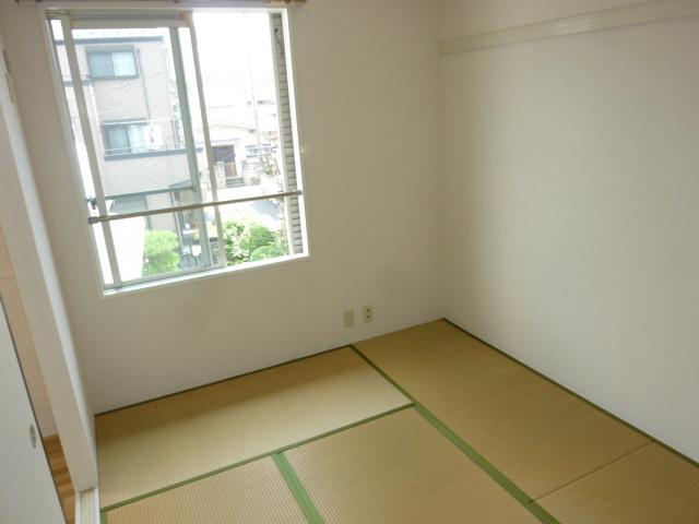 グランメールヤハギ 203号室の居室