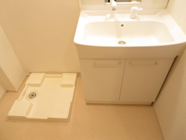 オリーブB 01010号室の洗面所