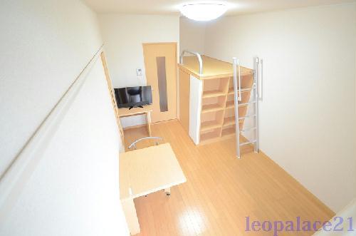 レオパレスTN弐番館 302号室の収納