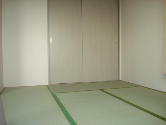 フォレストピア 201号室の居室