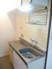 メゾン・ド・アルジャン 0113号室のキッチン