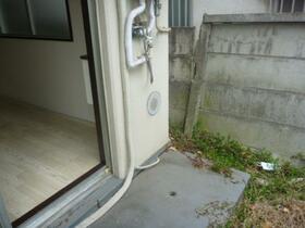 メゾン・ド・アルジャン 0113号室の庭