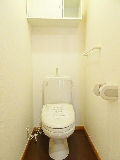 ファミーユ 01030号室の玄関