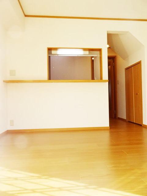 ファミーユ 01030号室のリビング