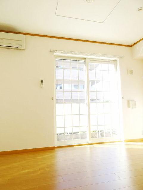 ファミーユ 01030号室のセキュリティ