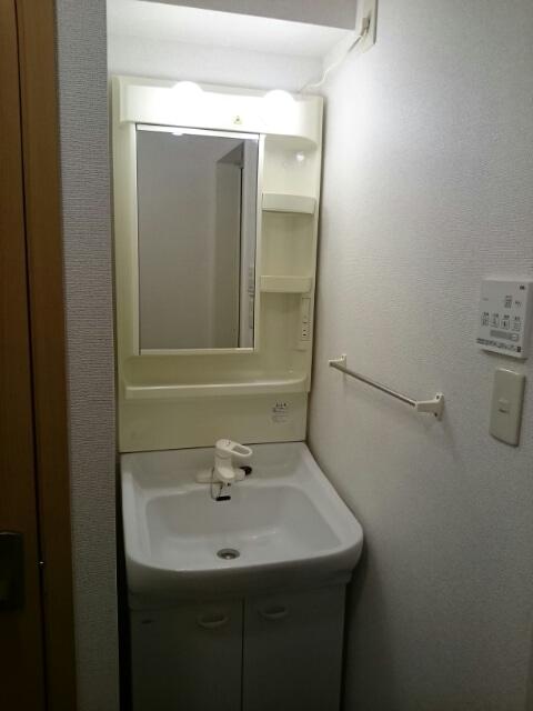 サンパティークヒルズ 02030号室のバルコニー