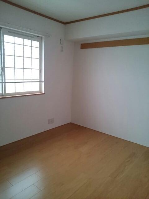 サンパティークヒルズ 02030号室の収納