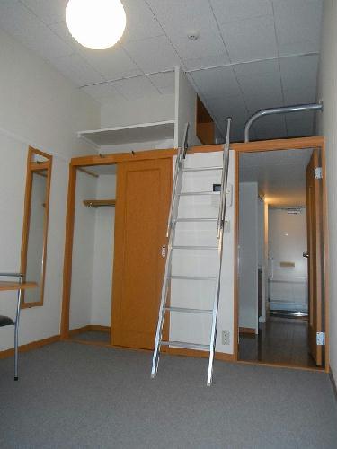 レオパレスラポール 203号室のリビング