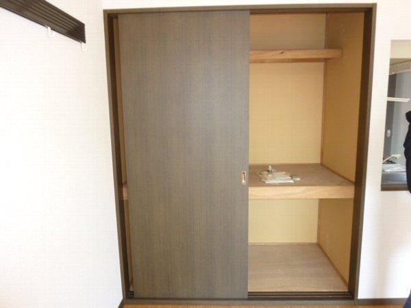コスモ鎌ヶ谷 205号室の収納