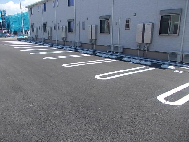 アルモニー印西Ⅱ 01010号室の駐車場