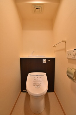 エム 02010号室のトイレ
