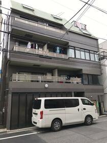 ファインズコート北新宿の外観