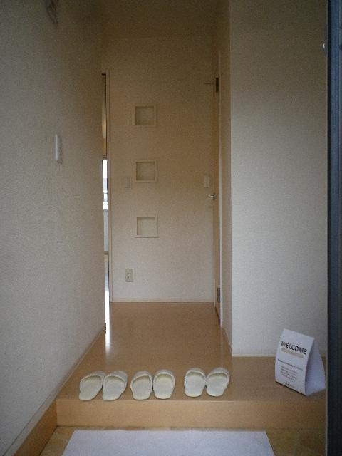 サンモール北入曽A 00203号室の玄関