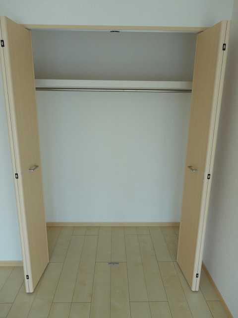 横網 リバーイースト 04020号室の収納