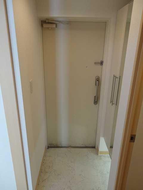 横網 リバーイースト 04020号室の玄関