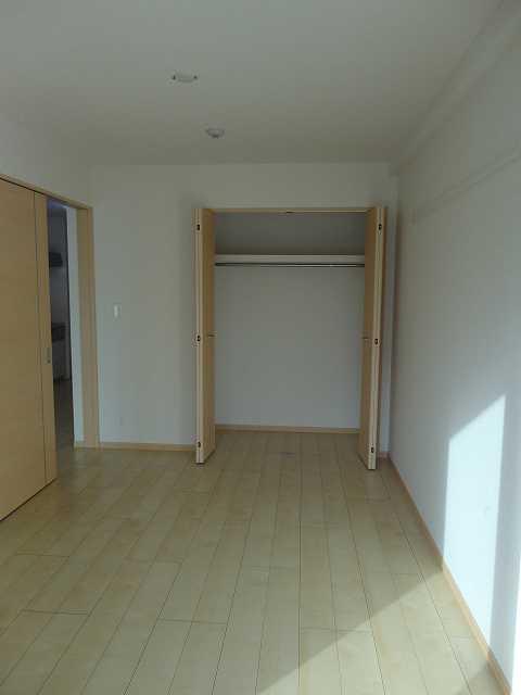 横網 リバーイースト 04020号室の居室