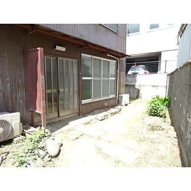 鈴木幸子方の庭