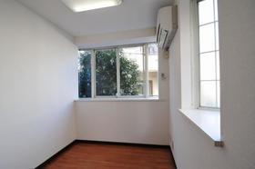 サンライフ志村 0101号室のリビング