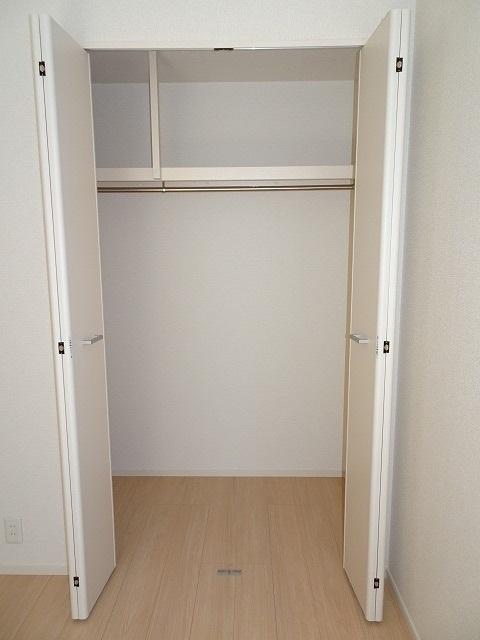 シュバリエ 01020号室の収納