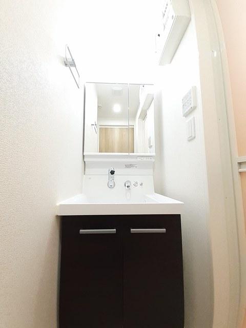 シュバリエ 01020号室の洗面所