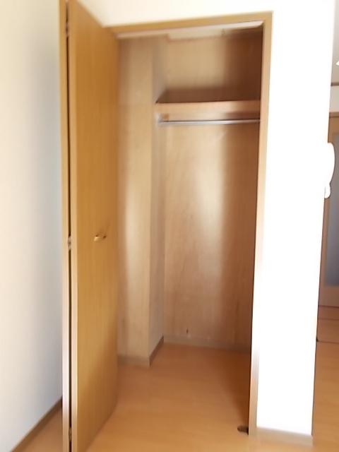 グロワールA 01050号室の収納