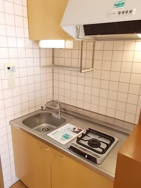グロワールA 01050号室のキッチン