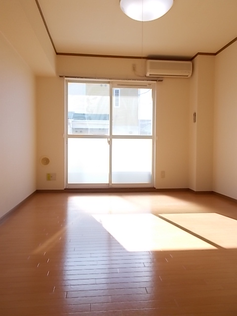 グロワールA 01050号室のベッドルーム