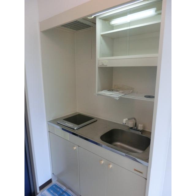 メゾンムラコシ2号館 302号室のキッチン