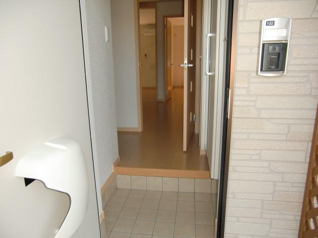 カーサ・プラシードM 01020号室の玄関