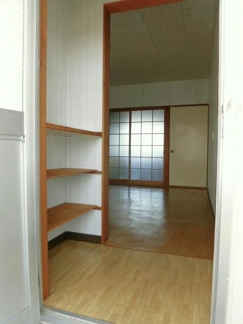柱アパート 02010号室の玄関