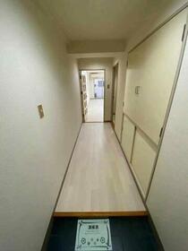 藤和サンコープ大名 406号室の玄関