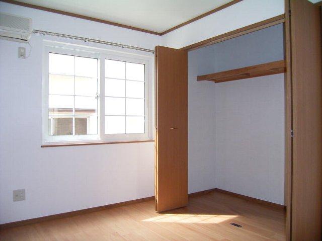 クレストールJ&N 02040号室の収納
