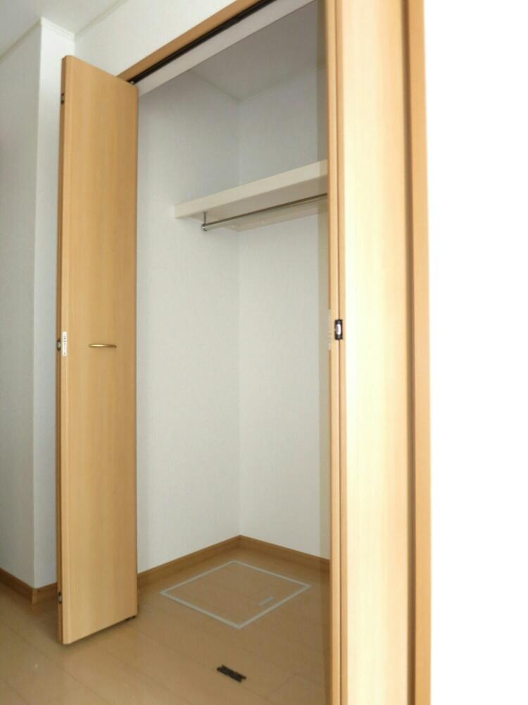 プランドールA 01030号室の収納
