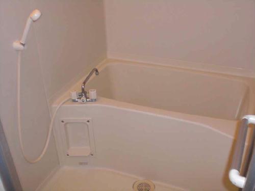 レオパレスYUGAWARA 204号室の風呂