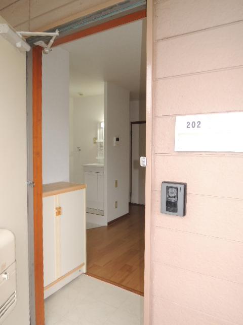 エルディムふじおかB 02020号室の玄関