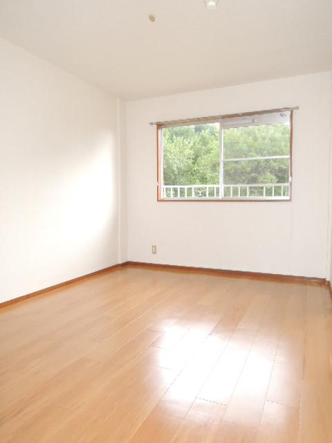 エルディムふじおかB 02020号室の収納