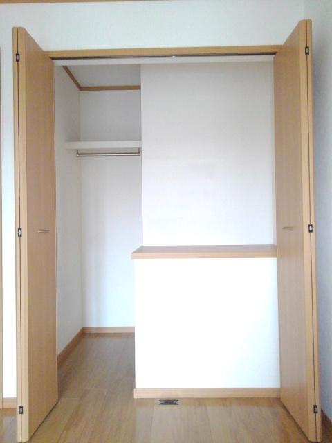 ソレアードナカノⅡ 02020号室の収納