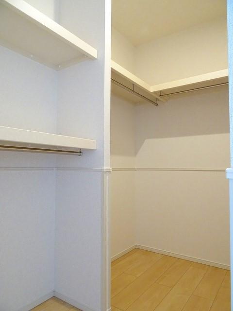 サンセットリーフ 02010号室の収納