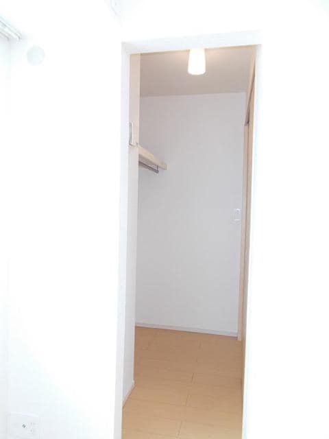 メゾン サンリル 03010号室の玄関