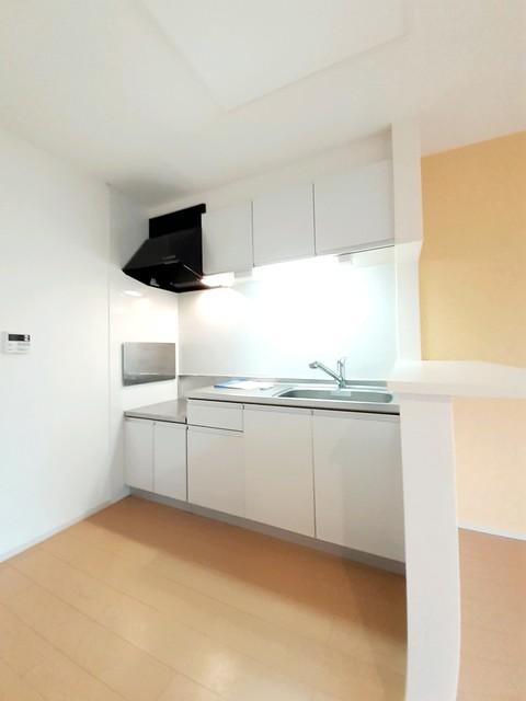 ケー・ビー・アイ Ⅰ 02040号室のキッチン