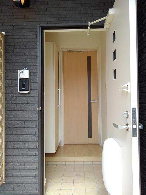 プティット フルール Ⅰ 01050号室の玄関