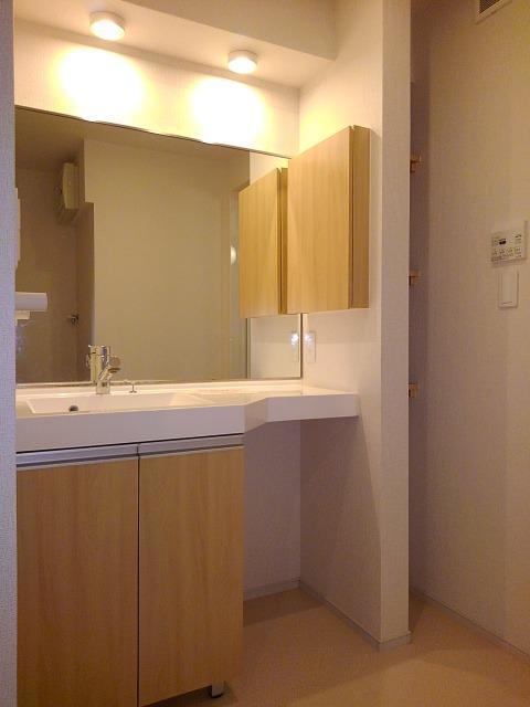 プティット フルール Ⅰ 01050号室の洗面所
