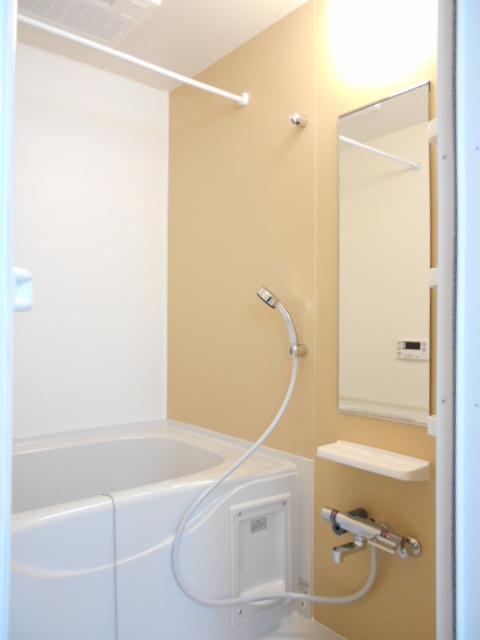 オルタンシアⅡ 01050号室の風呂