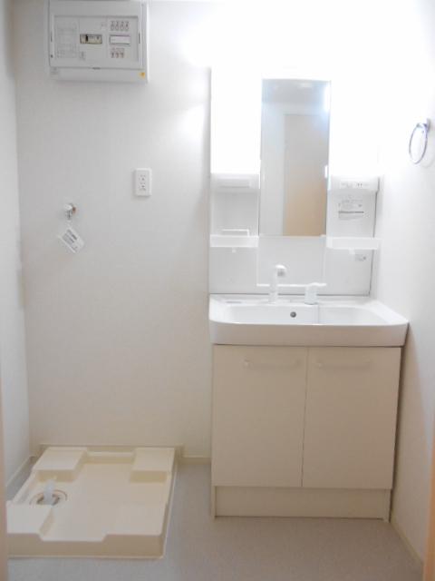 オルタンシアⅡ 01050号室の洗面所