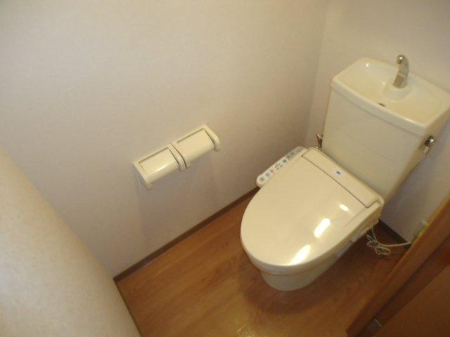 アクアサイド 101号室のトイレ